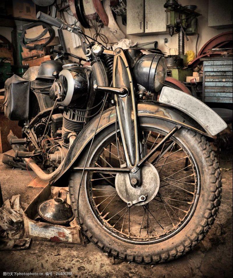 蒸气朋克破旧摩托车图片
