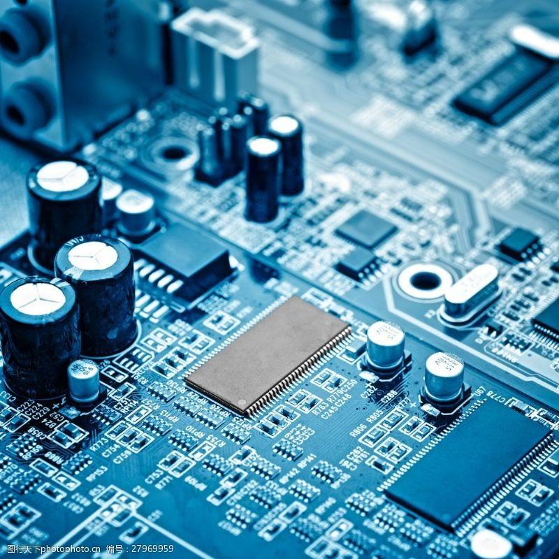 中央处理器电板上的电阻芯片图片