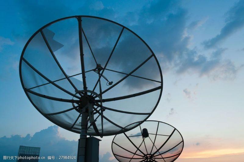 战争题材军事雷达系统图片