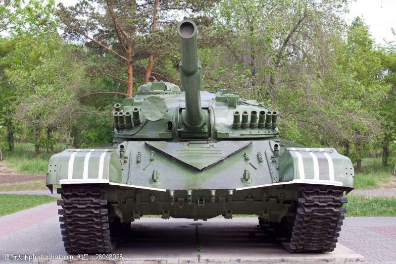 战争题材壮观的军事坦克图片