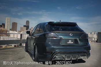 品牌轿车雷克萨斯轿车与城市图片