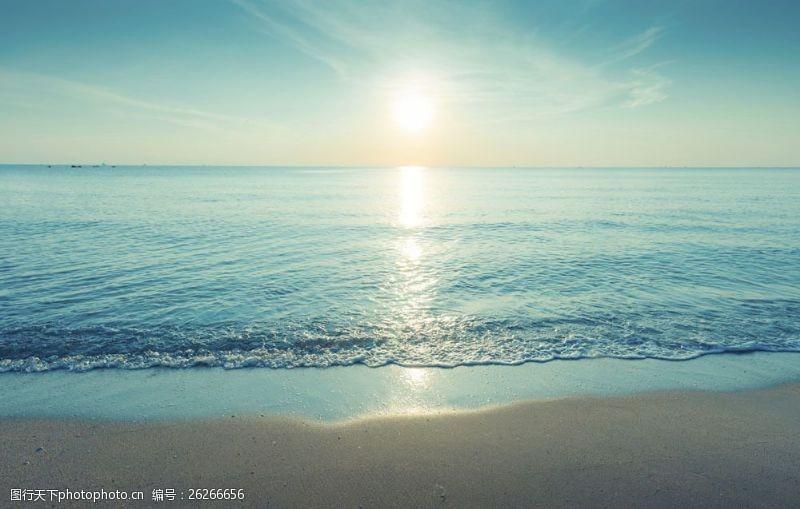 蓝天白云大海图片早晨的大海图片