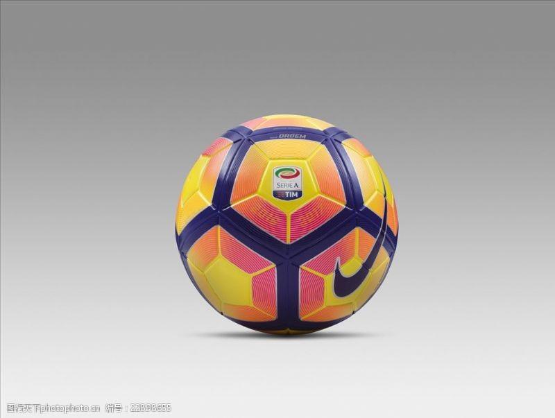 NIKE顶级比赛用球宣传广告