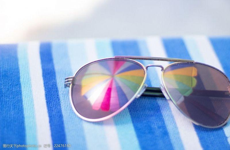 时尚太阳眼镜海报